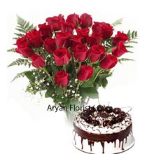 productA pack of Black Forest Cake weighing 1kg (2.2 Lbs) and giant Bunch of 30 Red Roses is surely a wonderful match to serve as a gift you are longing for. Handmade arrangement of flowers for gifting your near and dear ones in various occasions. This value pack once presented will certainly bring big smiles to their lips and they will cherish every bit of the present along with the wonderful time spent with you.