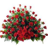productThis basket is made up of 100 red roses. The bouquet is designed to give a natural look with all the 100 roses arranged to look like one large bloom. Green leaves add fresh nod to the arrangement, while the fresh misty smell of the red roses merges with the smells of the green leaves. With an appearance of abundance and a natural bouncy zing, this one is for those who like all things pretty. Order it for your ladies: mothers, sisters, wives and daughters love this one!